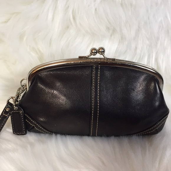 Coach Handbags - Coach Leather Kiss Closure Wristlet